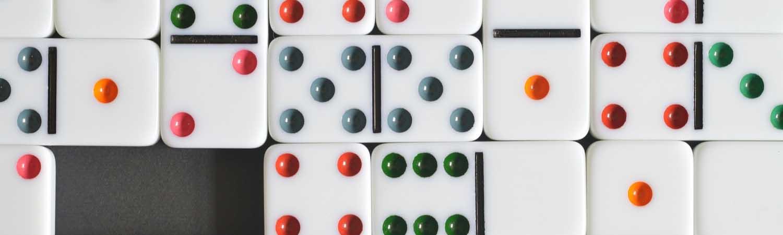 Apprendre les règles des dominos en ligne